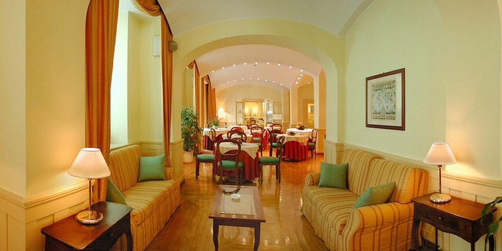 Hotel europa design hotel in rapallo in liguria for Design hotel liguria
