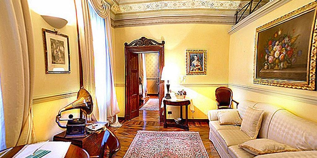 Wohnraum der Suite La Romantica