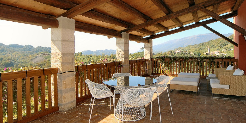<p>Blick von der Terrasse von der Wohnung Duca di Dolle</p>