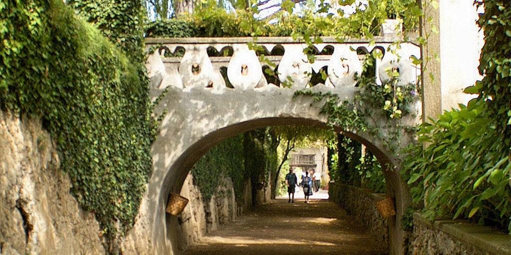 Picturesque walkway