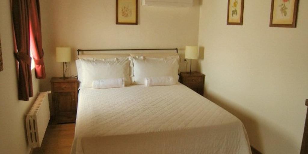 <p>Room Molera</p>