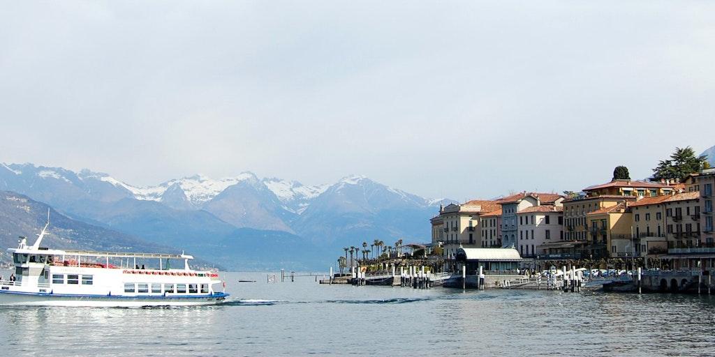 Der Fährverkehr schafft Atmosphäre auf dem See