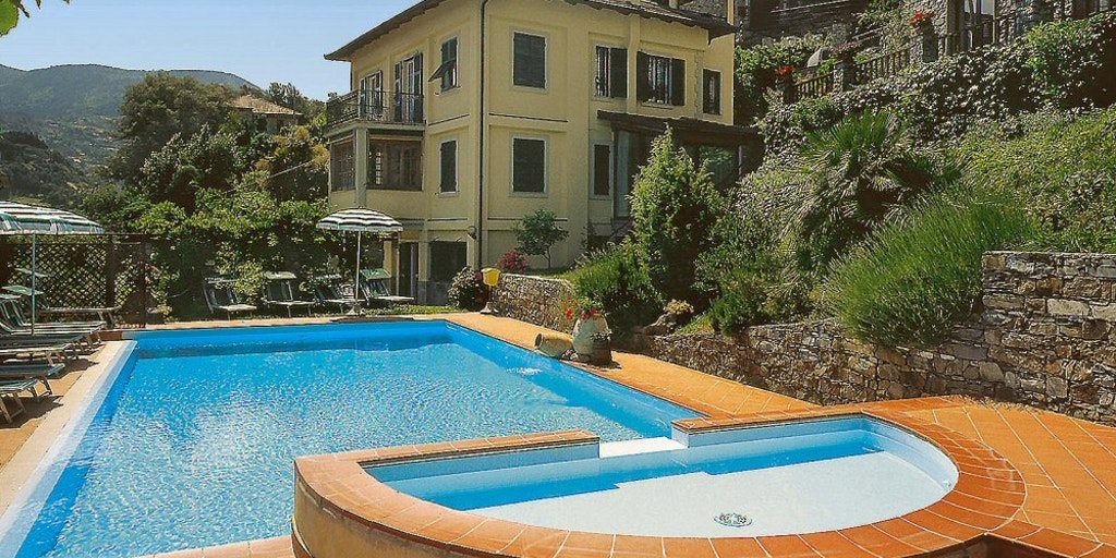 Pool på Hotel Villa Edera