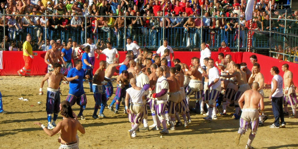 Calcio Storico, en røff form for rugby