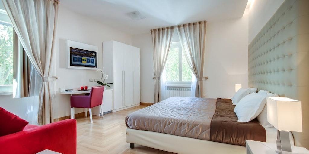 <p>Eksempel på dobbeltværelse (deluxe) m. udsigt til floden</p>