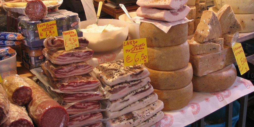 Typische Wurst und Käse aus Sizilien
