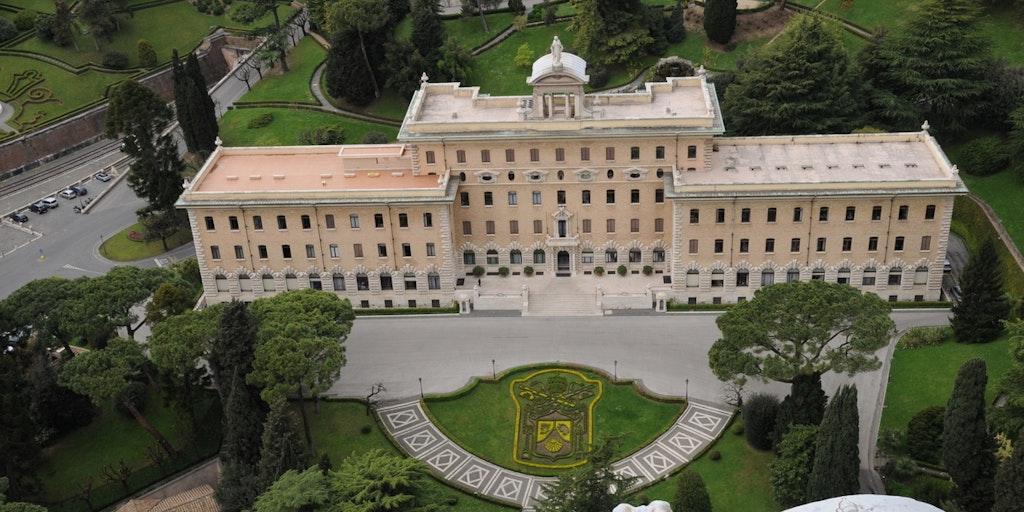 Vy ner i Vatikanens trädgård