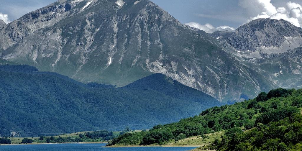 Storslagen natur i Abruzzo, som har flera nationalparer