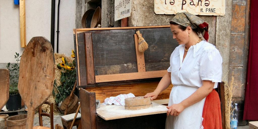 Das örtliche Stadtfest des traditionellen Handwerks: La Festa degli antichi mestieri