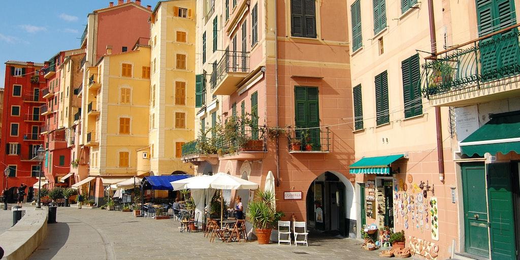 The many pastel colours of Liguria  - in Camogli at Portofino