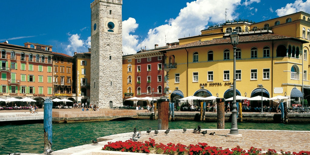 Norra spetsen av Gardasjön (Riva del Garda) ligger i regionen