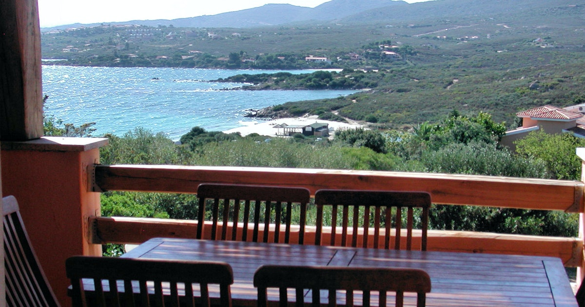 residence spiaggia bianca ferienwohnung in golfo aranci auf sardinien. Black Bedroom Furniture Sets. Home Design Ideas