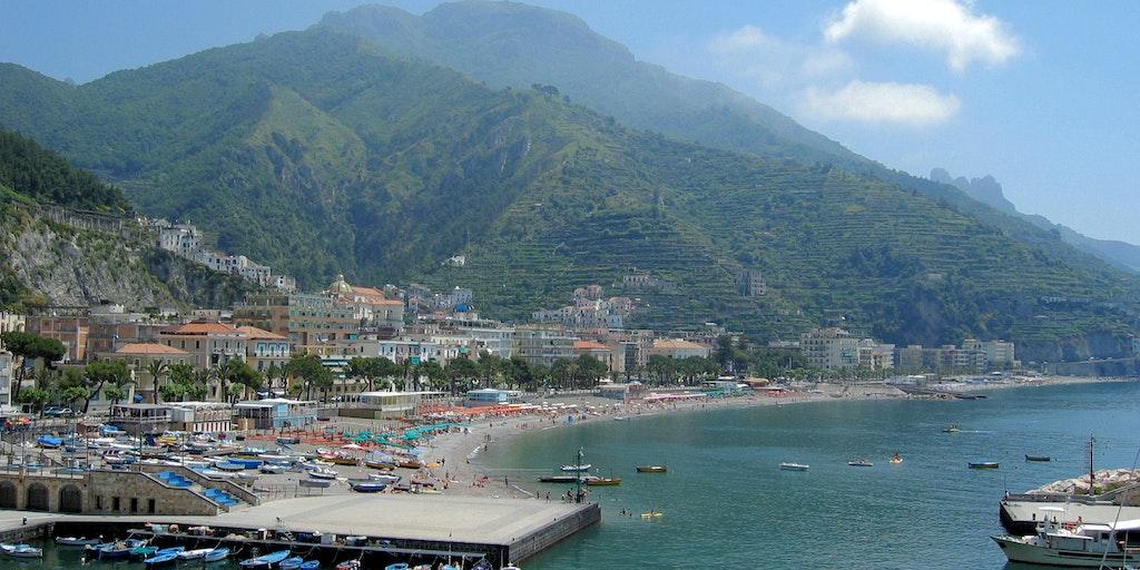 Promenaden vid havet i Maiori