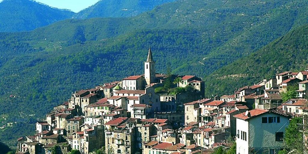 Hotel la favorita hotellferie i apricale liguria italia for Hotel liguria milano