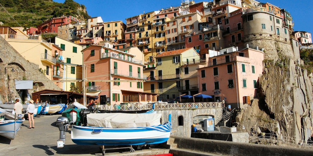 The port of Manarola