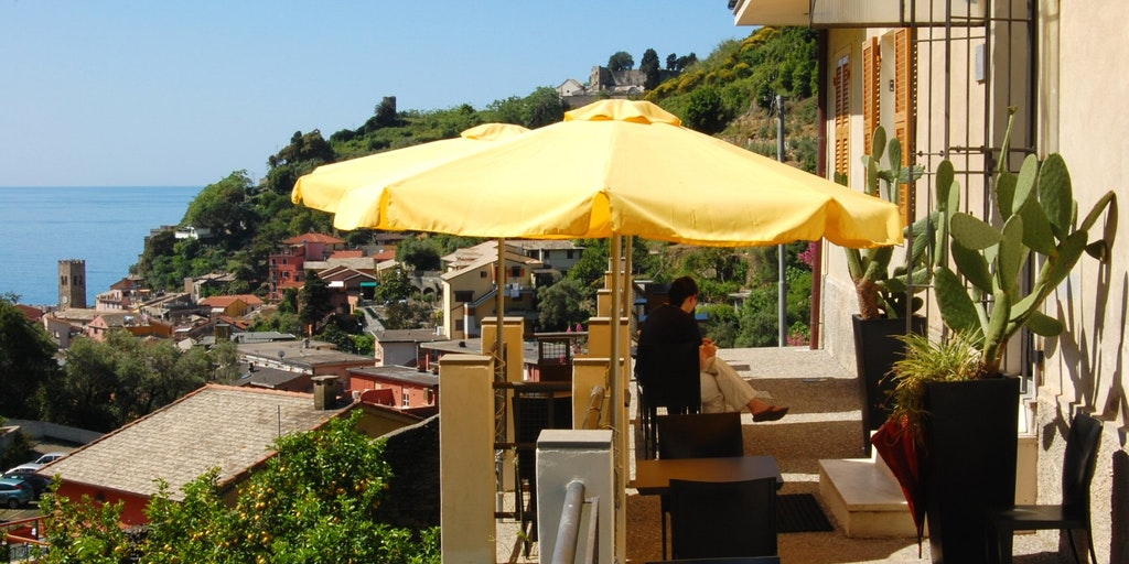 Casa dei Limoni's lovely breakfast terrace with sea views
