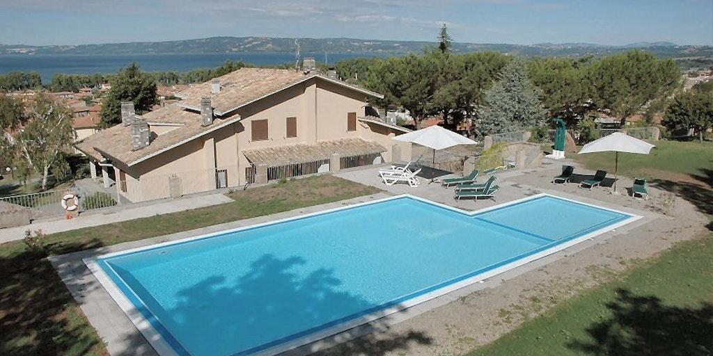 Agriturismo Le Vigne und der Bolsena See im Hintergrund