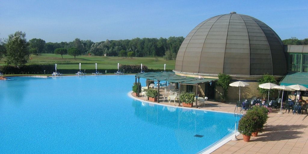 Piscine du Club House