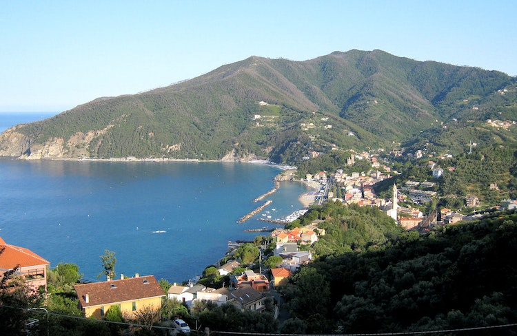 Visit Moneglia - Liguria - holiday apartments & hotels