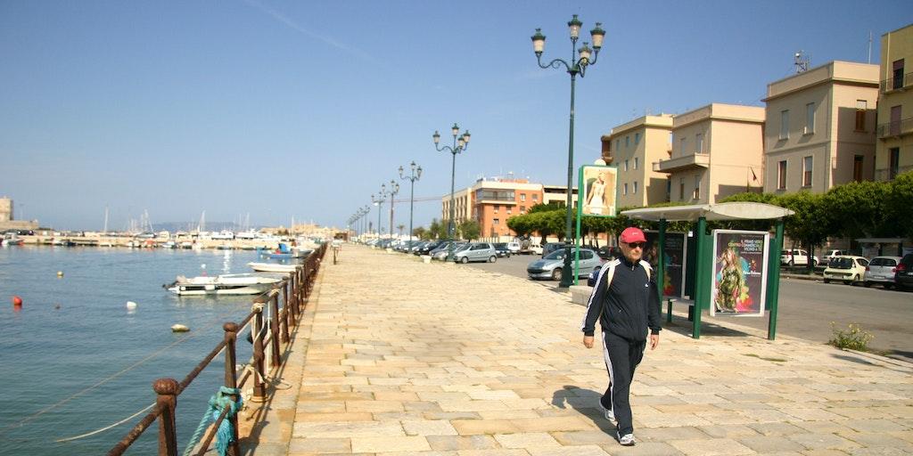 Hamnpromenaden vid hamnen