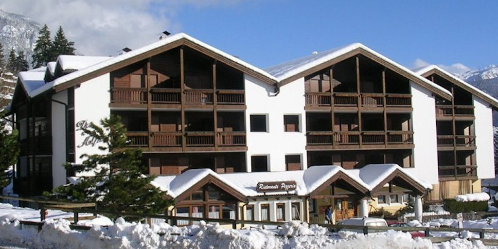 Apparthotel des alpes semesterbostad i cavalese for Apparthotel var