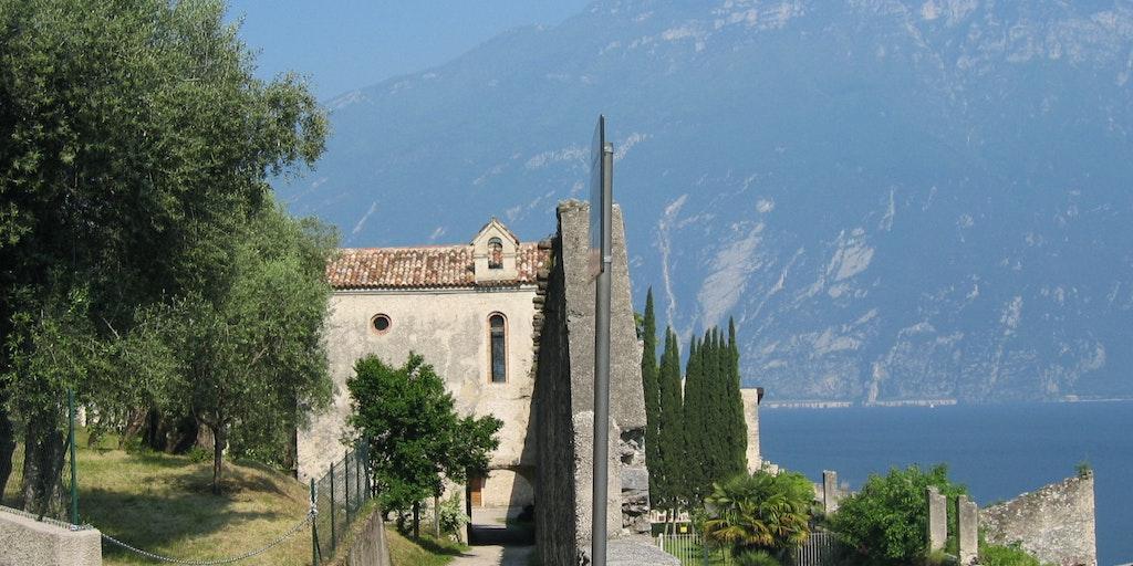 Der Friedhof außerhalb von Limone sul Garda