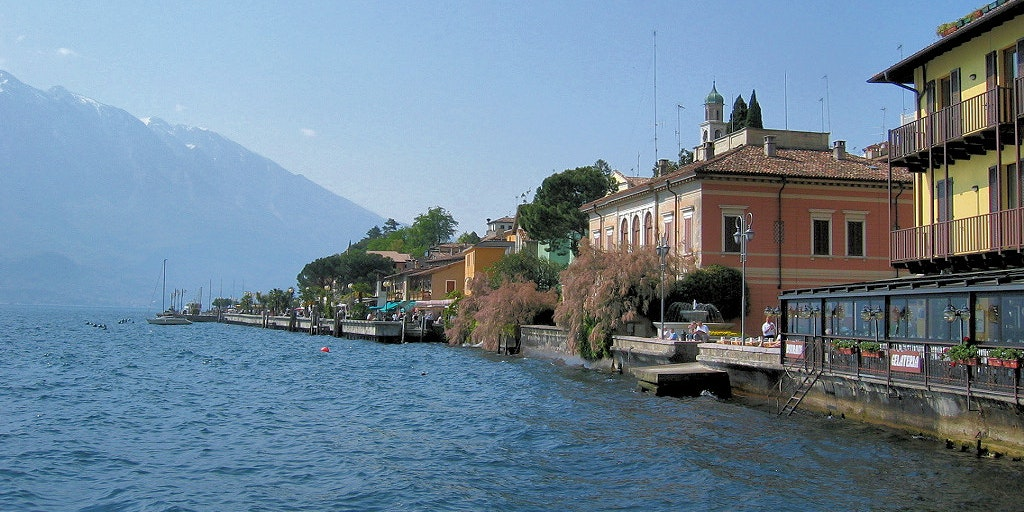 Beautiful property in Limone sul Garda all the way down on the banks of Lake Garda