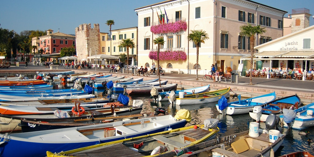 The port in Bardolino