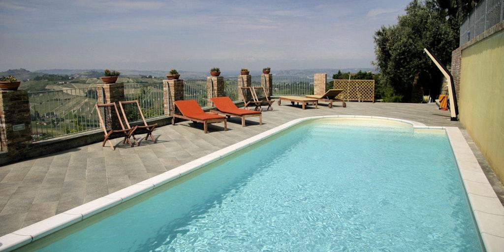 Swimmingpool von der Villa Incanto B&B