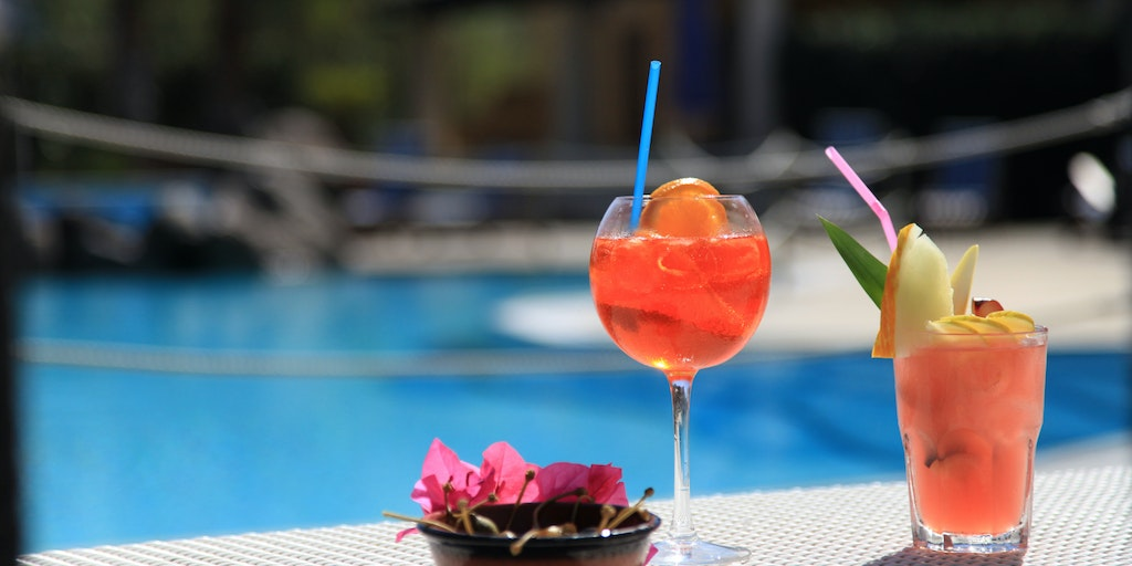 Aperitif at the pool