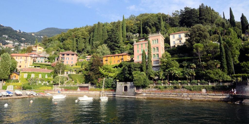 Elegant villa with lake views