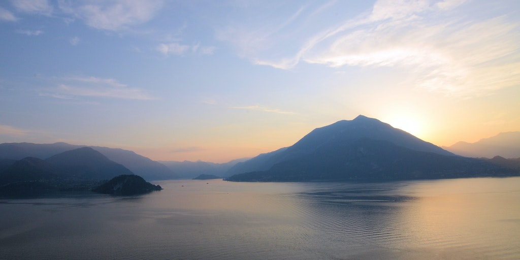 The sunset on Lake Como can be contemplated from the restaurant