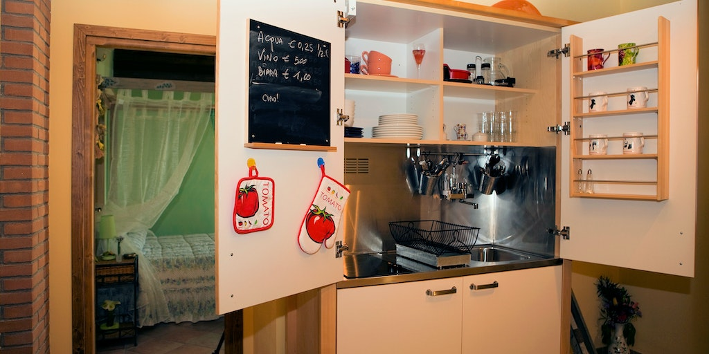 Communal kitchen for both rooms