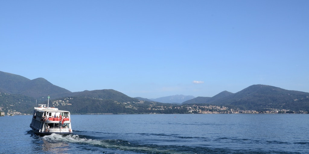 Sail between the beautiful towns on Lake Maggiore