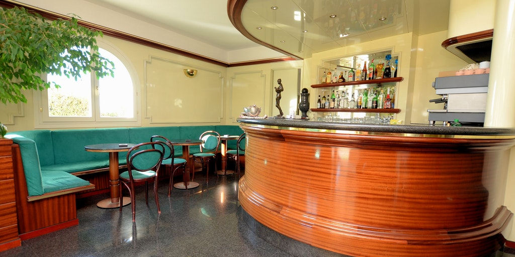 Reception with bar and seating