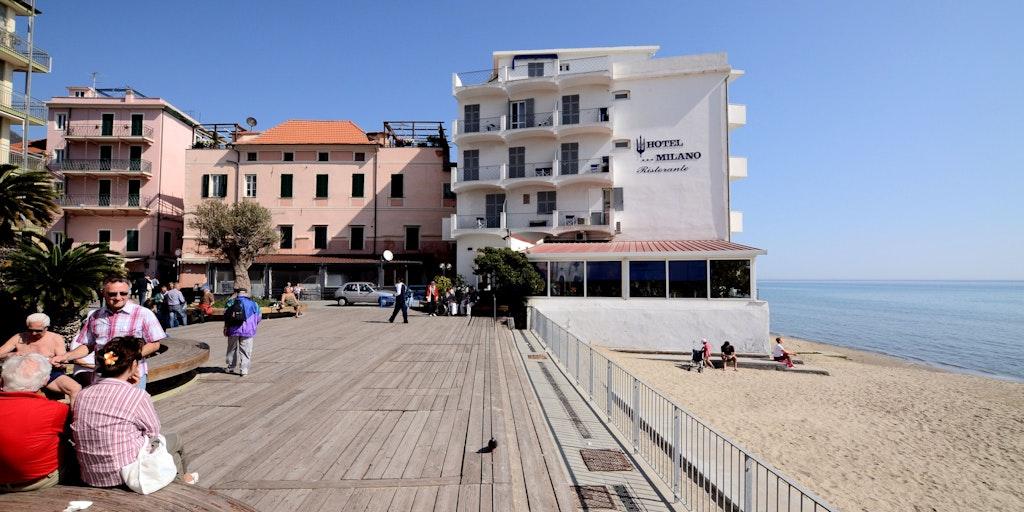 Hotel Milano im Zentrum der Stadt direkt am Meer