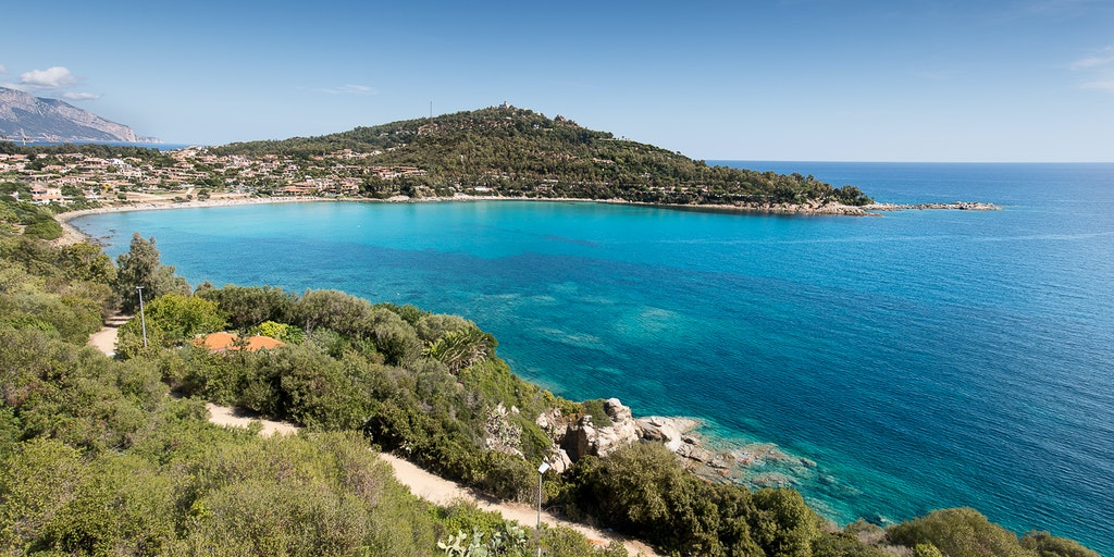 The beach and the bay of Porto Frailis