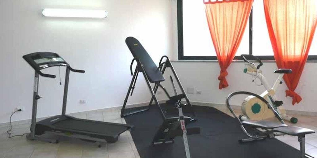 <p>small gym</p>