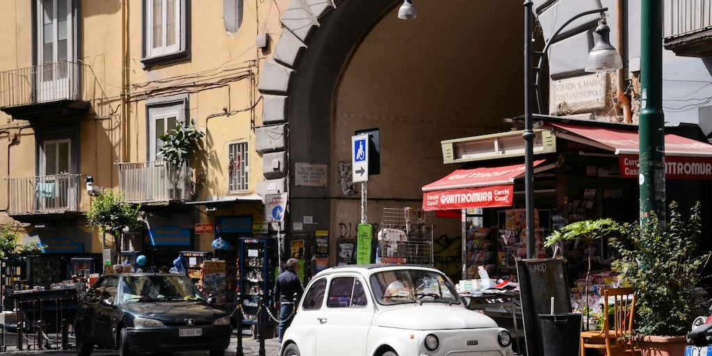 Italiensk idyll i Napolis gater