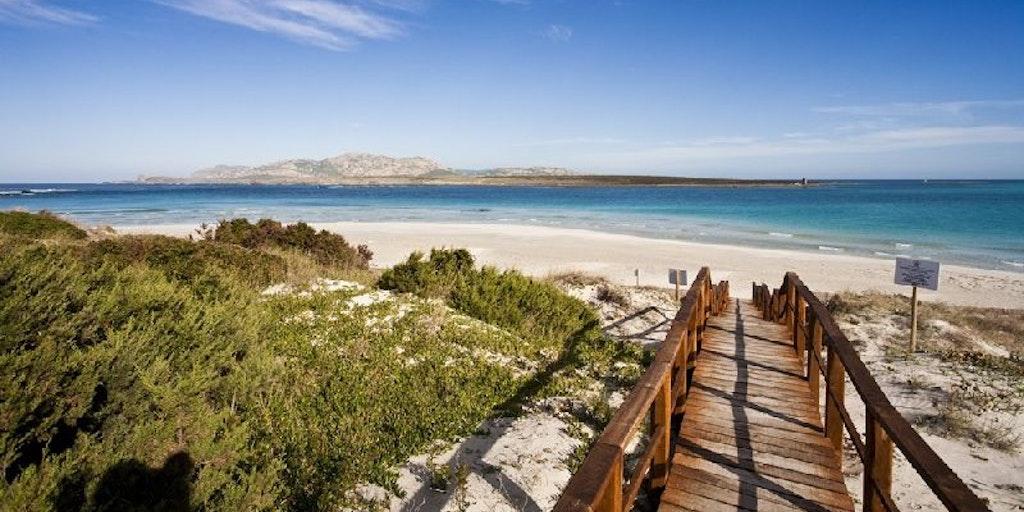 <p>La plage de la Pelosa, célèbre dans le monde entier, à seulement 3km</p>