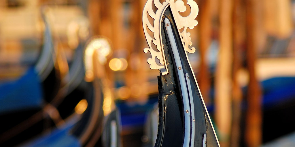 The Gondola's characteristic bow