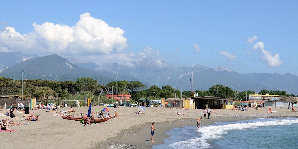 Stranden Marinella ca. 1 km fra Luni Mare