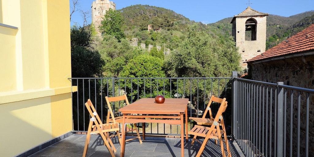 Privat terrasse med udsigt til de omkringliggende skråninger