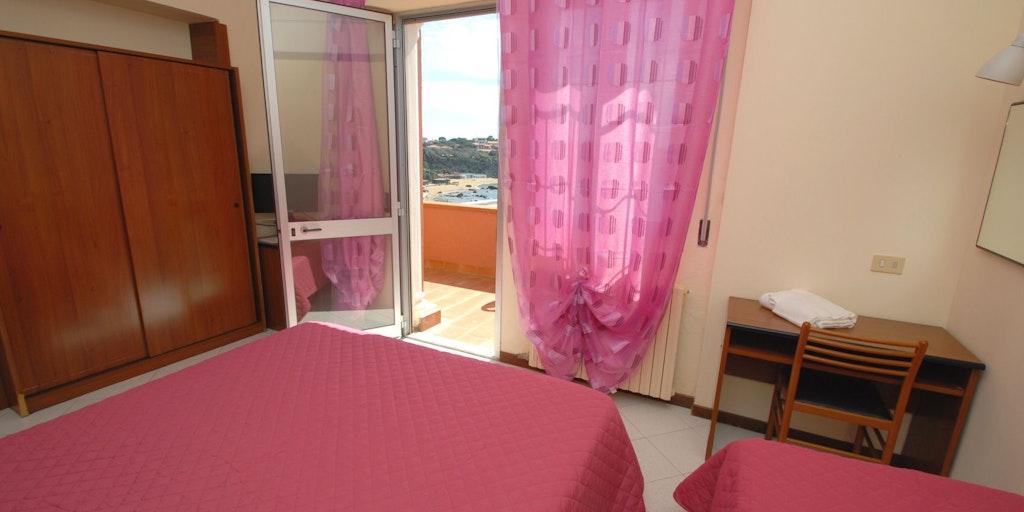 Triple Room w / terrace