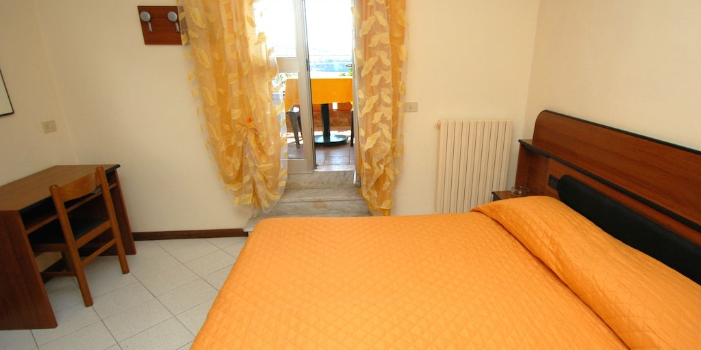 Double room with terrace near the reception