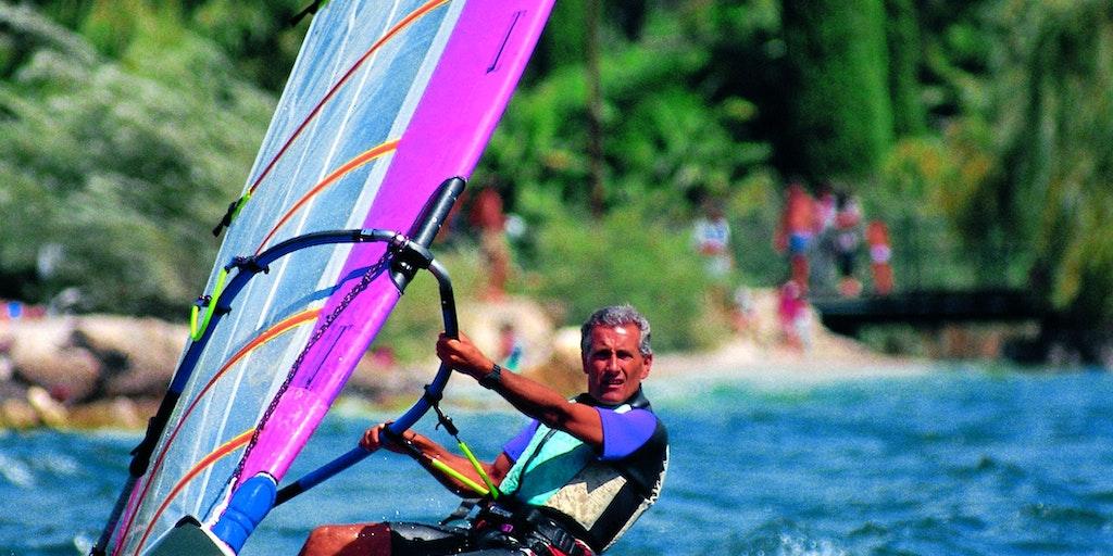 Surf i den nordlige del af Gardasøen