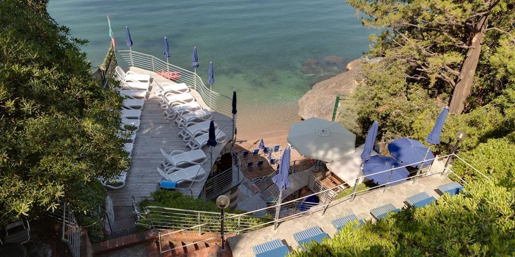 Hotel Nidos private strand
