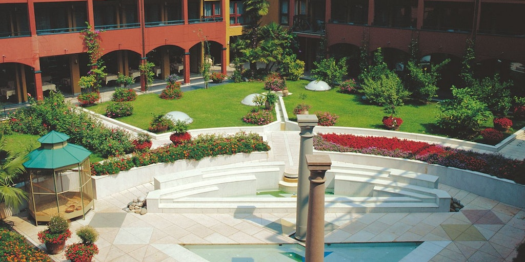 The garden at the Parc Hotel Gritti