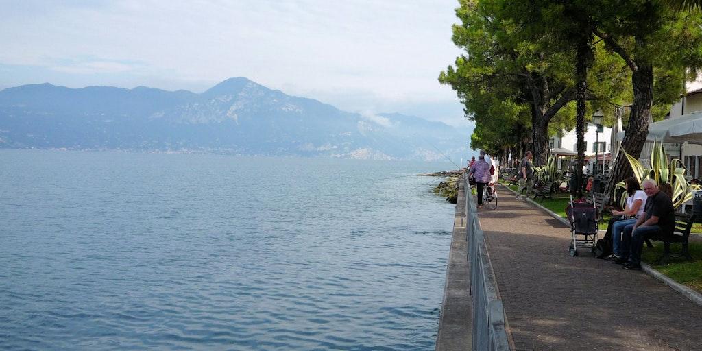 Promenade with local fishermen